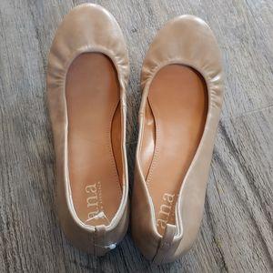 A.N.A Camel Ballet Flats Shoes Sz 7W